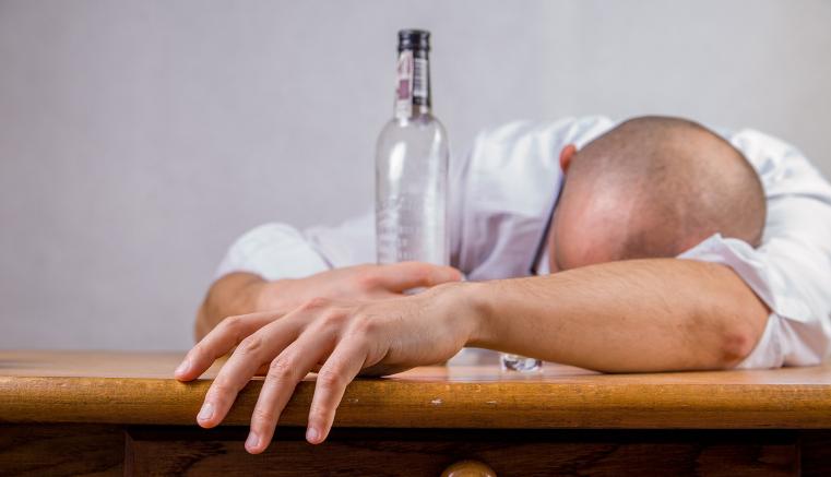 Impactante cifras de muertes por el abuso del alcohol.